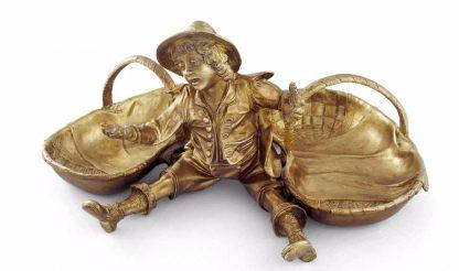 бронзовая скульптура мальчик